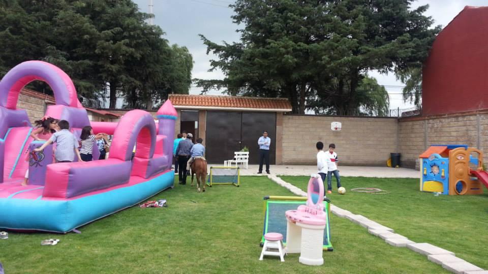 Salon de fiestas infantiles querubines y jardin metepec for Jardin querubines