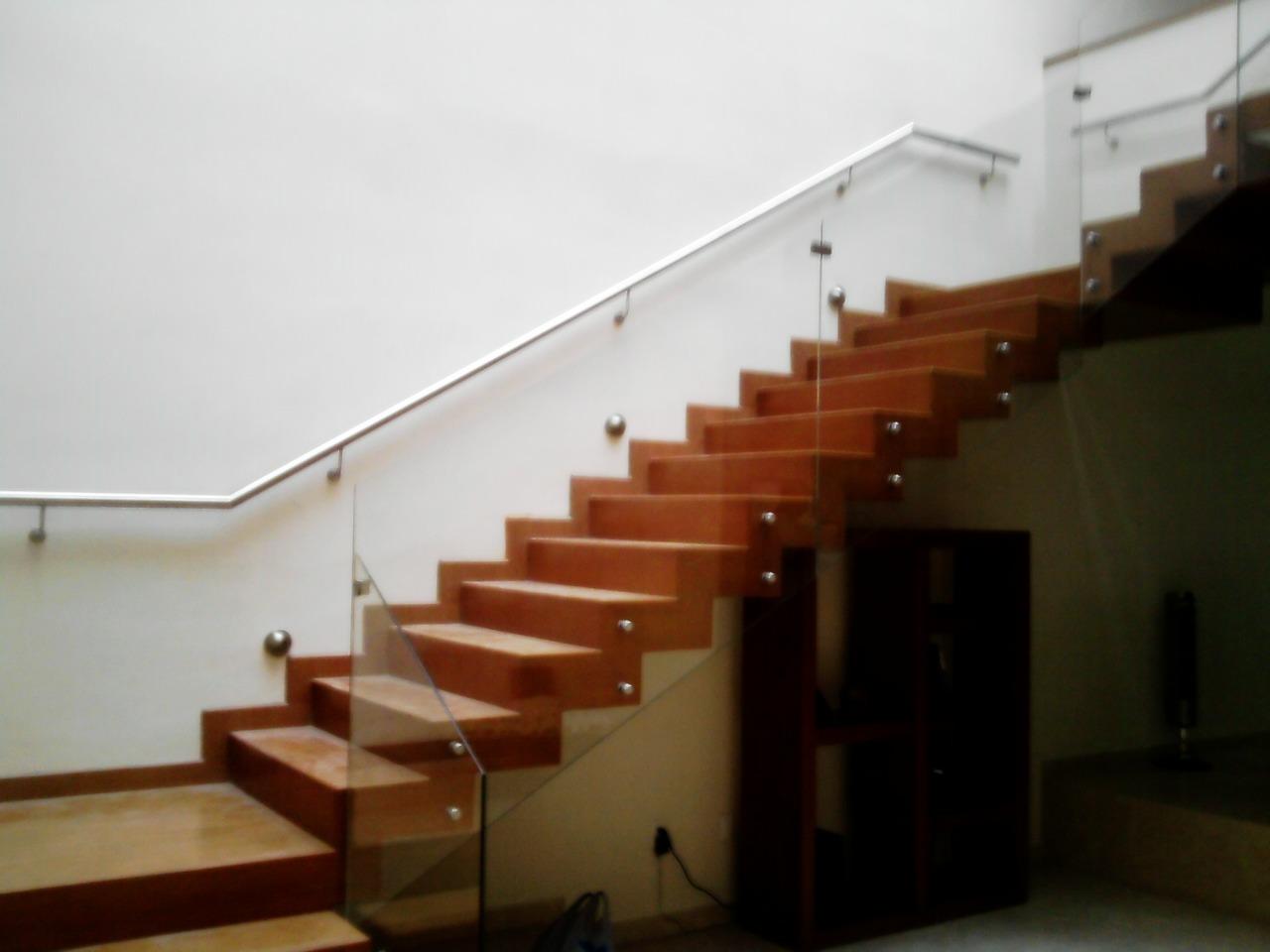 Spa dise o guadalajara - Escaleras de cristal templado ...